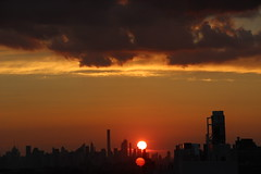 2018July26 (2) (ShellyS) Tags: sunset sunsets skyline skylines clouds sky nyc newyorkcity manhattan queens