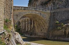 Pont Romain de Vaison-la-Romaine (Cri.84) Tags: vaisonlaromaine pont provence vaucluse rivière