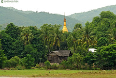 11-10-04 02 Myanmar (132) R01 (Nikobo3) Tags: asia myanmar burma birmania mandalay culturas templos paisajeurbano paisajes naturaleza travel viajes nikon nikond200 d200 nikon7020028vrii nikobo joségarcíacobo