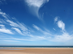 clouds above the bay (Johnson Cameraface) Tags: 2018 june summer olympus omde1 em1 micro43 mzuiko 1240mm f28 johnsoncameraface budlebay bamburgh northumberland clouds sand sea seaside sky dream blue bay shore coast