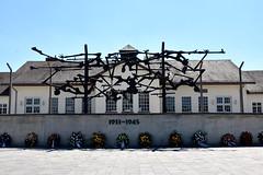 Dachau (FaceMePLS) Tags: dachau beieren bayern duitsland deutschland germany facemepls nikond5500 konzentrationslager kz concentrationcamp sculptuur sculpture skulptur kunstwerk kunstobject