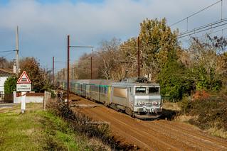 03 décembre 2013  BB 22325  Train 4663 Bordeaux -> Marseille  Cadaujac (33)