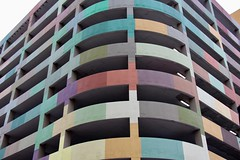 Curved building (Read2me) Tags: minneapolis pree cye tcfe colorful lines building repetition parkinggarage corner curve friendlychallengeswinner gamewinner