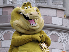 Louis (meeko_) Tags: louis alligator theprincessandthefrog characters disneycharacters mickeys royal friendship faire mickeysroyalfriendshipfaire show entertainment castleforecourtstage fantasyland magic kingdom magickingdom themepark walt disney world waltdisneyworld florida