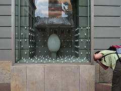 Without words (199) (Suchbild) Tags: ei eier ostern frausuchbild fenster mrssuchbild egg easter window