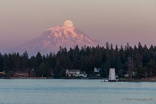 Moonrise and Sunset on Mt. Rainier