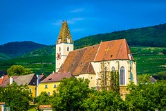 The ev6 in Austria also goes through some farmlands and vineyards that include lovely churches.