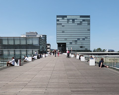 P1010212 (karlheinz.nelsen) Tags: düsseldorf städte landeshauptstadt medienhafen landtag