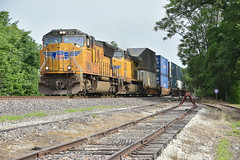 Rolling through Watseka IL. (Machme92) Tags: unionpacifc up union trains trainrace tracks railroad railfanning railroads railfans rails rail row railroading railfan emd