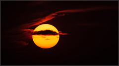 Sunset_99839 (uwe_cani) Tags: sonne sun sonnenuntergang sunset himmel sky wolk clouds gelb yellow rot red abend evening deutschland germany nrw eifel nationalparkeifel
