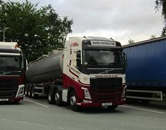 Mansel Davies CU14 AYY at Welshpool (Joshhowells27) Tags: lorry truck volvo fh rosco manseldavies tanker milk