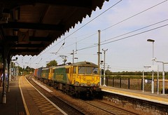 Cans on the Trafford Park (Chris Baines) Tags: freightliner 86637608 manningtree trafford park felixstowe liner