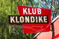 Klub Kondike (Thomas Hawk) Tags: america california klubklondike lakehead northerncalifornia shastacounty usa unitedstates unitedstatesofamerica bar neon neonsign restaurant lakeheadlakeshore us fav10 fav25 fav50