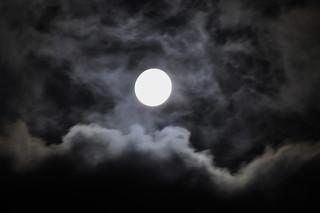 _DSC0031 Waiting the Blood Moon Tonight