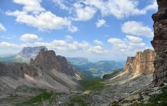 dolomitentour (joachim.d.) Tags: dolomiten südtirol cirjoch grödnerjoch crespeinajoch wandern hochgebirge