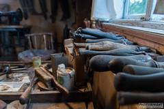 Cobblers tools (PhotoByKent) Tags: canon canonm50 m50 tools tool stool verktyg stol shoe shoes sko skor abandoned övergivet övergiven ue workshop workbench sigma rust rost rusty old gammal sweden sverige dalarna decay förfall hylla shelf cobbler skomakare