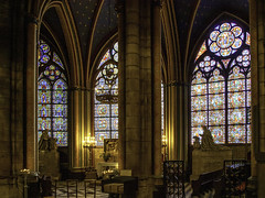 Notre-Dame interior (Tony Tomlin) Tags: paris france europe notre dame notredame cathedral church romancatholic