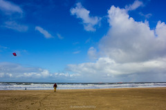 Scheveningen #1 (j.kowalska) Tags: sea northsea tinypeople tinypeopleinbigplaces clouds morze morzepółnocne chmury piasek scheveningen thehague denhaag haga holandia nl netherland cloudsstormssunsetssunrises