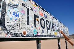 (Giulia La Torre) Tags: namibia africa nature wild travel traveling photography desert deserto namib sand tropic tropicofcapricorn south sign cartello roadsign