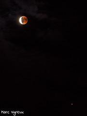 L'Eclipse lunaire du siècle (MarcEnGalerie) Tags: nocturne lune moon nightly eclipse nocturnal mars lesmilles provence france fra