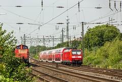 04_2018_07_20_Gelsenkirchen_Schalker_Verein_3294_860_DB_mit_gem_Güterzug ➡️ Wanne_R_6146_122_DB_schiebt_RE2 ➡️ Essen (ruhrpott.sprinter) Tags: ruhrpott sprinter deutschland germany allmangne nrw ruhrgebiet gelsenkirchen lokomotive locomotives eisenbahn railroad rail zug train reisezug passenger güter cargo freight fret schalkerverein schalker verein bochum essen wanneeickel abrn db dispo mrcedispolok flx flixtrain 0429 0826 1272 1428 3294 5401 6146 6182 6189 es 64 f4 u2 es64f4 es64u2 leuna 1802 1803 logo outdoor natur graffiti