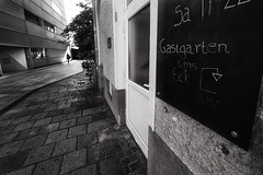 (a└3 X) Tags: street alexfenzl black withe blackwithe olympus streetphoto people person blackandwithe monochrome streetphotography bw 3x city citylife urban menschen linz austria a└3x