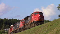 CN 305 up high in Pohénégamook, QC (MaineTrainChaser) Tags: trains train cn west westbound canada
