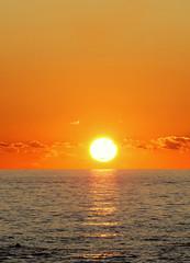 Tramonto marino (Darea62) Tags: sunset sea nature sky skyline tramonto landscape panorama paesaggio tuscany seascape skyscape skyporn travel reflections orange minimal water mare