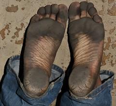 dirty city feet 594 (dirtyfeet6811) Tags: feet soles barefoot dirtyfeet dirtysoles blacksoles cityfeet heels dirtyheels strainedheels