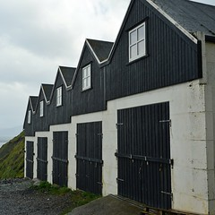 Viðareiði (mikael_on_flickr) Tags: viðareiði føroyar færøerne faroeislands isolefaroe boathouses blacknwhite repetition ripetizione five cinque fem fünf
