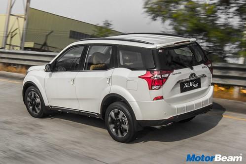 2018-Mahindra-XUV500-07