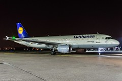 Lufthansa D-AIZH HAJ at Night (U. Heinze) Tags: haj hannoverlangenhagenairporthaj aircraft airlines airways flugzeug nikon night eddv planespotting plane