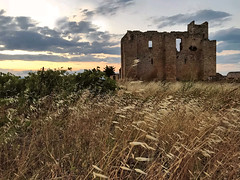 Fontcalvy (Jolivillage) Tags: jolivillage fontcalvy abbayedefontfroide grangecistercienne architecture crépuscule tramonto old picturesque geotagged ouveillan aude occitanie languedoc languedocroussillon france francia europe europa paysage landscape paesaggio campagne