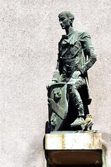 Everyman statue (42jph) Tags: stratforduponavon warwickshire uk england nikon d7200 everyman statue owl sheep street fred fritz j kormis sculpture