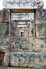 IMG_0474 (Nai.Sass) Tags: lebanon trave tyre sour anjar baalback ruins roman byzantine middle east temples summer vacation sea amateur