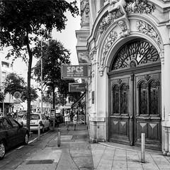 """The Door"" (giannipaoloziliani) Tags: flickr streetlife street urban urbanstreet urbanexplorer streetphotography downtown city nice nizza francia france nikonphotography nikoncamera nikon europe monochrome monocromatico biancoenero blackandwhite door"