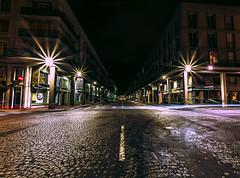 Rue de Paris nocturne (jérémydavoine) Tags: architecture lehavre seinemaritime normandie pavés night nuit light lumière unesco street rue ville city perret augusteperret route road