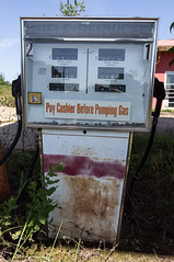 25 Quick Stop - 08 (MarksPhotoTravels) Tags: abandoned gaspump gasstation greenvillecounty southcarolina unitedstates