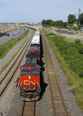 Approaching the Angrignon overpass (Michael Berry Railfan) Tags: cn canadiannational cn401 train freighttrain montreal montrealsub quebec ge generalelectric dash9 dash944cw dash8 dash840cw cn2544 cn2145