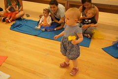 Art Babies, 2018.5 (Center for Creative Connections) Tags: dallasmuseumofart dma babies early learning creativity play pretend gallery sensory families color