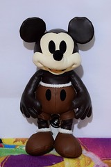 Mickey Mouse Memories Plush #4 (April) - Disney Store Purchase - Full Front View (drj1828) Tags: disneystore mickeymouse plush mickeymousememoriescollection 2018 90th anniversary merchandise limitedrelease pinset mug april 4