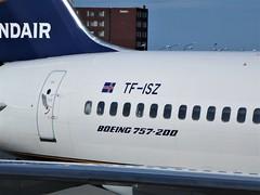 FI 757-223 TF-ISZ Eiríksjökull (kenjet) Tags: fi 752 757 757200 tfisz 757223 icelandair kef bikf keflavik keflavikinternationalairport eiríksjökull plane jet airline airliner flugzeug aviation boeing
