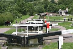 Foxton Locks (Heaven`s Gate (John)) Tags: foxton locks canal boat leicestershire gates trees grass johndalkin heavensgatejohn water