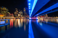 Brisbane - blue(s) (Rafael Zenon Wagner) Tags: nacht langzeitbelichtung stadt brücke fluss spiegelung lichter nikon d810 12mm laowa12mmf28zerod night time exposure town bridge river reflection lights bcl bigcitylights super weitwinkel ultra wide angle blau blue