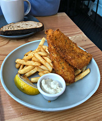 2018 Fish & Co lunch: Herb Crumbed Hake & Chips (dominotic) Tags: 2018 food drinks meal lunch herbcrumbedhakeandchips yᑌᗰᗰy tramshedsharoldpark iphone8 sydney australia