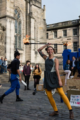 Edinburgh Festival Fringe 2018-168 (Philip Gillespie) Tags: edinburgh scotland festival fringe summer gardens sky sun clouds colours green yellow blue white black red purple orange pink water canon 5dsr photography color urban 2018 bright colourful wet outdoor outside people men women man woman kids children boys girls families crowds street performances acts comedians hoola hoop juggling fire flames eyes feet hands heads faces hair city centre royal mile castle tron joy pleasure happy happiness magic bubbles bursting magicians cabaret costumes makeup hats