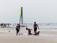 Zandvoort-03 (Quetzalcoatl002) Tags: zandvoort seaside sea beach recreation coast water people boat beachfun