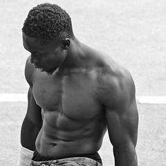 The Gymnasts # 26 (just.Luc) Tags: quadrat square carré vierkant black african afrikaan africain europeaan européen european pecs pectoraux muscles musclé muscled muskeln man male homme hombre uomo mann seminude seminu halfnaakt halfnaked torsenu barechested parijs parigi paris îledefrance france frankrijk frankreich francia frança europa europe avenuehussein1erdejordanie bn nb zw monochroom monotone monochrome bw sexy hot attractive gorgeous baard barbe barba bart beard strong tattoo tatoeage tatouage shirtless