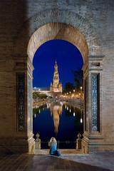 Contemplation... (Sevilla 🇪🇸) (Olivier Rocq ᕈhotography) Tags: sã©ville séville sevilla spain espagne espana plaza bluehour reflections
