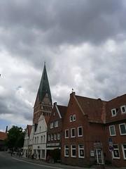 IMG_20180718_114847 (markusg2010) Tags: lüneburg stadt niedersachsen germany hanse hansestadt hanseatic lüneburgerheide altstadt deutschland backsteingotik roterosen